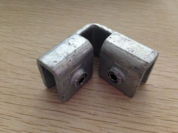 Galvanized Carbon Steel Fittings , Internal 90 Degree Kick Plate Clamp